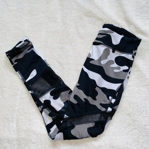 Black and white camo leggings